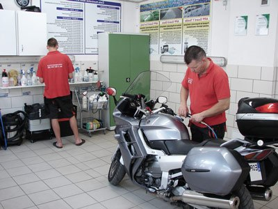 Motorcycle cleaning services